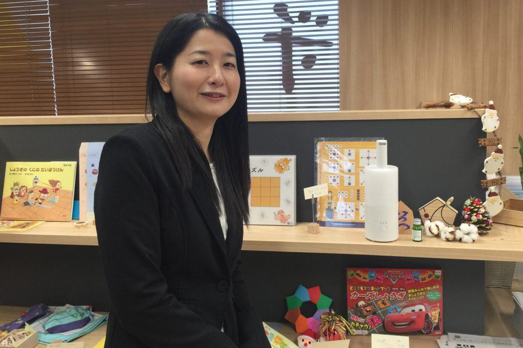女流棋士の中倉宏美さんがいつつ将棋教室東京府中校に遊びにきてくれました。